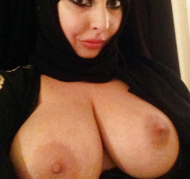 arab-girls-nude-boobs-blacks-fucking-blonde-woman
